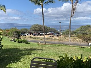 Maui Kamaole #H-108: 1B/2B Ocean View Condo across the street from the beach!