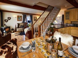 Skivillaroger -  Les Arcs, Sainte Foy, Val d'Isere, Tignes. 4 Bedrooms & Hot Tub