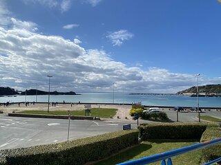 ERQUY, bordure de la plage du centre, a 300m du centre des commerces