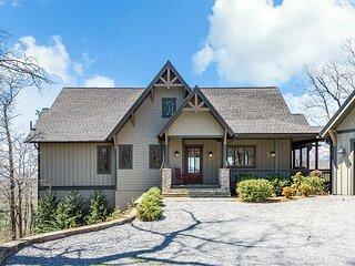 Maple Cottage | Sutton Knob | Screened Dining Porch | Long-Range Pisgah Views