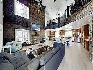 All-Suite Retreat   2 Living Rooms   Wraparound Deck   3,200 Sq Ft