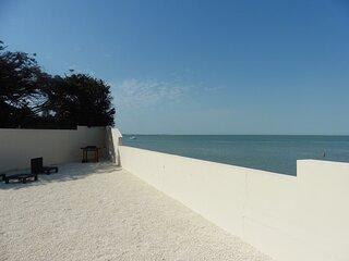 Location située à FROMENTINE - Face Mer avec accès direct plage et à 200m des