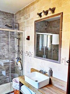 detalles baño suite el mayoral