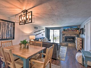 Cozy Crested Butte Ski Nook w/ Panoramic Mtn. View