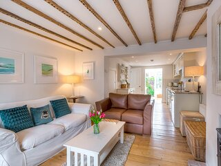 Quaint and charming cottage in central Arundel