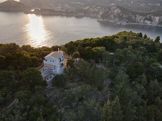 Sea view Villa with swimming pool - Close from the beaches