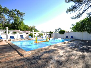 Fantastic vacation getaway, Private Tennis Court & Golf Practice Facility