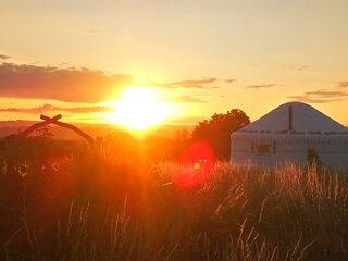 Boudica Yurt - Banbury Meadow Luxury Eco Friendly Glamping Glastonbury