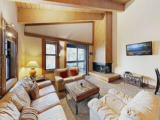 Northstar Getaway | Resort Hot Tub, Pool, Tennis & Sauna | Minutes to Skiing!