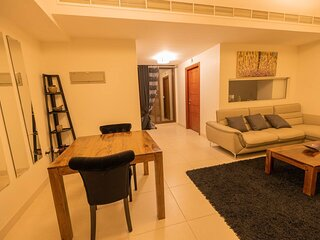 Impeccable 1-Bed Apartment in Muscat