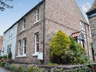 Squirrel Cottage in beautiful Thornton le Dale, the gem of the North