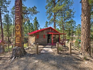 NEW! Ruidoso Getaway w/ Deck - Walk to Downtown!