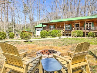 NEW! Cozy Mtn Living: Cabin 1 Mi to Lake Chatuge!