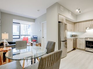 ​Corporate Stays | The Met | Modern and Bright 2 BR