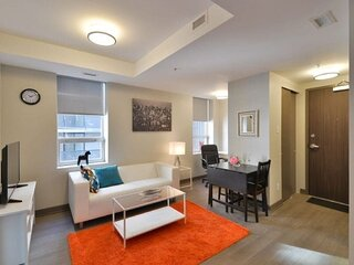 ​Corporate Stays | Lisgar | Polished 1BR