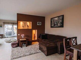 Calm and private Polas apartment