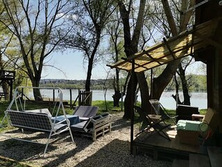 Cute Cottage on Danube