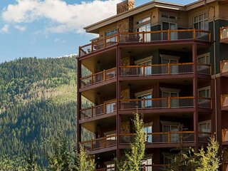 *FREE Zip-Line Tour* Perfect for Families – 4 King Suites, Private Hot Tub,Outdo