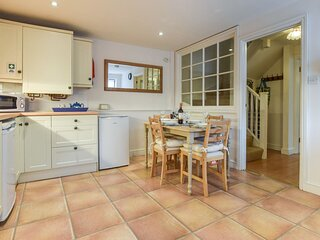 The Barn, Ledbury, Herefordshire - sleeps 4 guests  in 2 bedrooms
