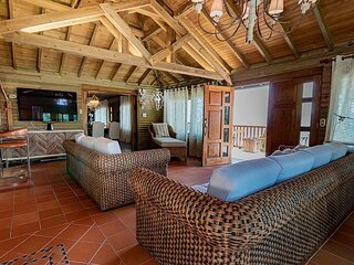 Eight bedrooms immaculate Vdra Villa
