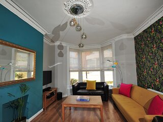 Strawberry Two - Town Centre Apartment - Opposite Harrogate Convention Centre