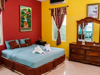 See Belize Sea View SUNROOM Suite w INFINITY POOL, Overwater Deck & Roof Terrace