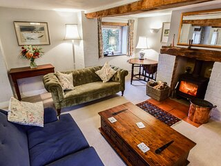 Granary, Cheltenham, Cotswolds - sleeps 4 guests  in 2 bedrooms