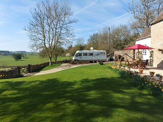 Cirencester, Cotswolds - Large Static Motorhome with Stunning Countryside Views