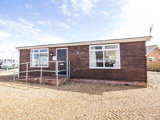 5 berth dog friendly lodge in Hunstanton by the beach ref 13015RN