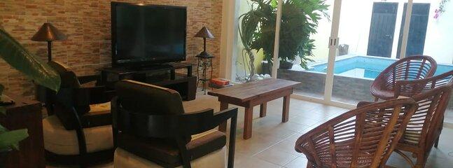 HERMOSA CASA CON ALBERCA EN BAHIAS DE HUATULCO A MINUTOS DE LA PLAYA, holiday rental in Santa Maria Huatulco