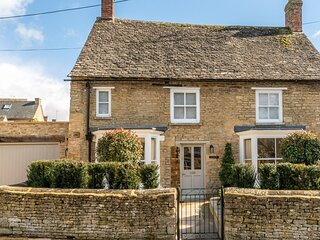 Tachbrook, Charlbury - sleeps 4 guests  in 2 bedrooms