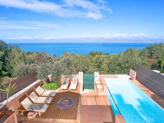 Sea View Cottage with Heated Pool