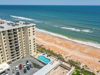 Cozy Ocean Shore Condo