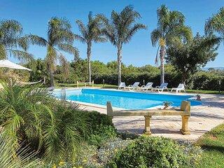 Large Countryside villa w/ large pool