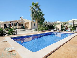 Villa Cas Frares with private pool and a big garden in an idyllic location
