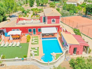 Villa Segundo with big private pool, tennis court, mini golf and ping-pong