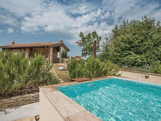 Villa Giulia - Lovely farmhouse with pool in the Rieti countryside (Lazio)