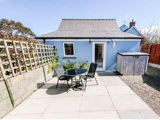 TY GWENNOL BACH, detached cottage with a garden in Dinas Cross, Ref 967750