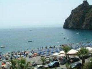 Appartamento con terrazzi sul mare di Taormina, alquiler vacacional en Forza d'Agro