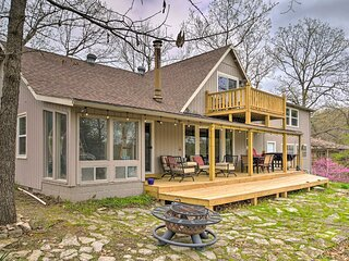 NEW! Modern Family Home w/ View on Table Rock Lake