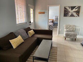 Entire Home, 2 Bedrooms - Centrally Located in MIA