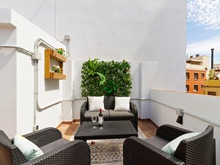 Holidays2Malaga Alameda Barcelo with terrace & High Speed WIFI