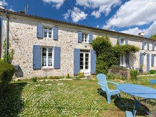 Le Cottage Bleu - Gite avec piscine partagee