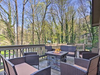 NEW! Hendersonville Home w/ Deck: 3 Mi to Downtown