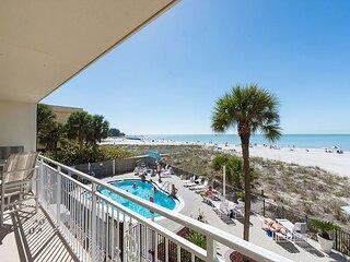 Direct Beachfront - Private Balcony  - Free WiFi - Madeira Norte