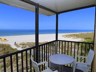 Direct Beachfront Balcony Corner Unit Top Floor - Free WiFi - Surf Song
