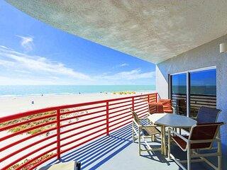 Luxury Direct Beachfront - Private Balcony- Free WiFi - Crimson