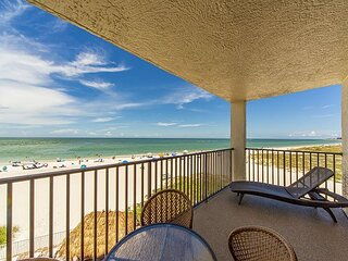 Direct Beachfront Balcony - Incredible Views of Madeira Beach - Free WiFi