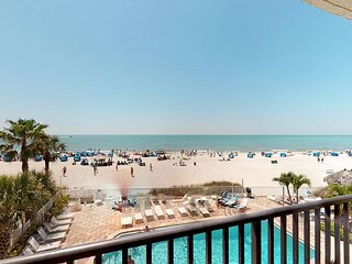 Direct Beachfront Balcony - Sweeping Gulf & Beach Views - Free WiFi