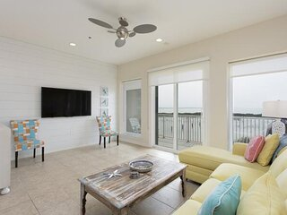 Tortuga Bay 10-2 - Huge bayside townhome with a beautiful pool and sunset view